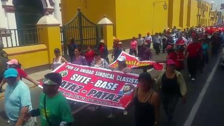 Profesores en huelga se movilizaron por el Centro Histórico de Trujillo