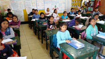 Escolares asisten a clases con normalidad en algunos colegios de Ayacucho