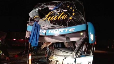 Choque entre bus y tráiler dejó seis heridos en Barranca