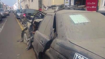 Trujillo: vecinos reclaman por vehículos abandonados fuera de comisaría