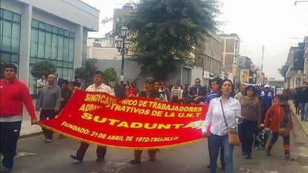 Trujillo: trabajadores administrativos de la UNT inician paro de 48 horas