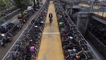 Holanda construye el mayor estacionamiento de bicicletas del mundo
