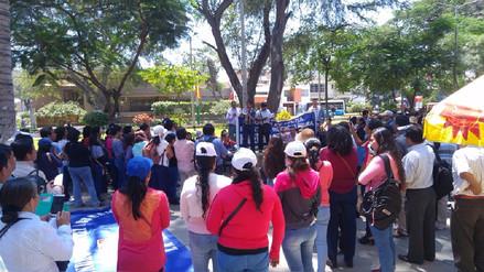 Más de cuatro mil docentes de Piura siguen en huelga