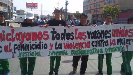 Hombres marchan rechazando feminicidios y violencia en Chiclayo