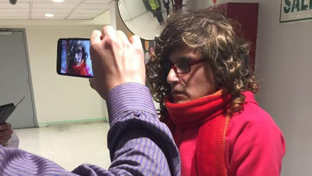 Hombre disfrazado tomaba fotos íntimas a mujeres en los baños