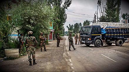 Ocho policías muertos tras ataque insurgente en la Cachemira India