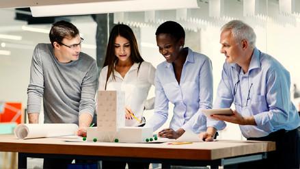 Por qué un grupo de estudio es vital para el éxito profesional
