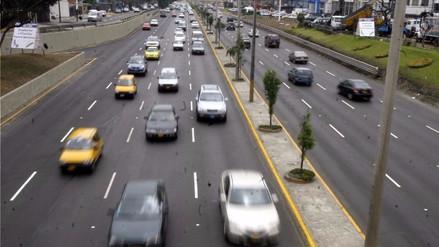 ¿Cuáles son los límites máximos de velocidad en avenidas, vías expresas y carreteras?