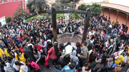 Miles de fieles acuden al Santuario de Santa Rosa de Lima