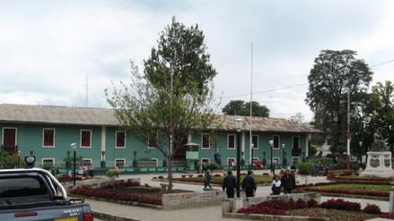 Hombre es encontrado muerto al costado de comisaria de Cajamarca