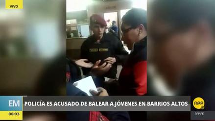 Acusan a un policía de balear a dos jóvenes en Barrios Altos
