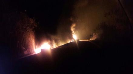 Incendio de cisterna interrumpe el tránsito en vía Huánuco - Tingo María