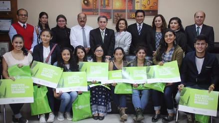 Alumnos de Brasil y Colombia incorporados a Universidad Señor de Sipán