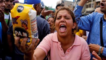 Venezolanos niegan versión oficial de que escasez se deba a sanciones de Trump
