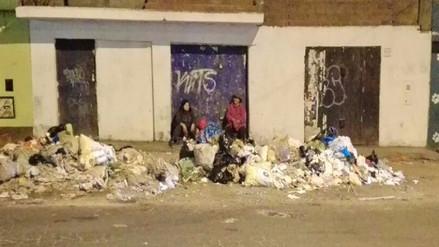 VMT: Vecinos viven en plena contaminación por acumulación de basura