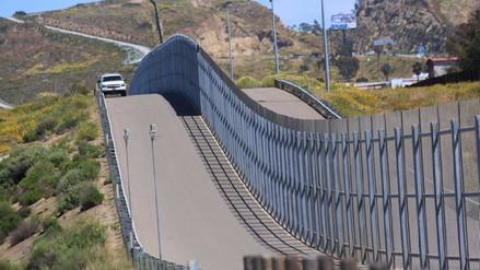 Donald Trump elige a cuatro empresas para construir el muro con México