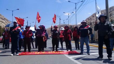 Profesores de La Oroya volvieron a marchar por la Carretera Central