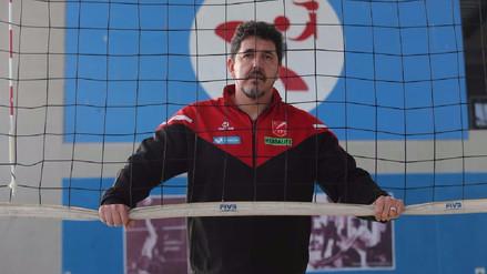 Entrenador de la Selección Peruana de vóley sufrió un robo antes de viajar