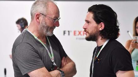 Game Of Thrones | Jon Snow y Sir Davos disfrutan de la Fórmula 1