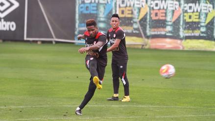 El golazo de tiro libre de Jefferson Farfán en el entrenamiento de Perú