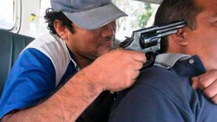 Policía investiga más de 10 asaltos luego de retirar dinero de bancos