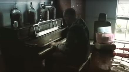Instagram | Un hombre tocó el piano en su casa inundada en Texas