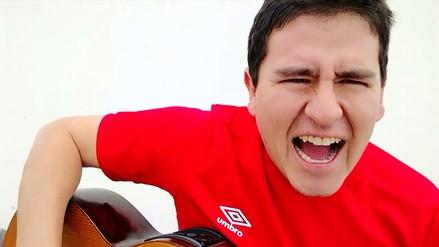 Hincha le dedica canción a Perú antes del partido contra Ecuador