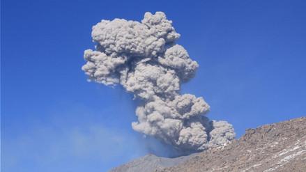 Familias de Caylloma afectadas por emisiones del volcán Sabancaya