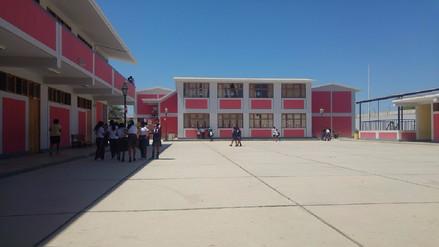 Huelga de administrativos de centros educativos tiene más de un mes