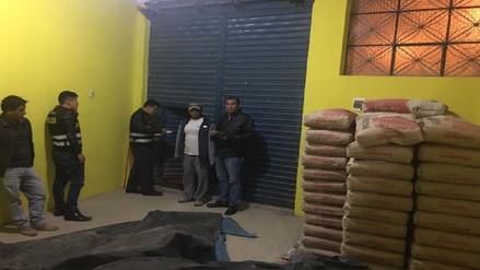 Sujetos hurtaban sistemáticamente más de 22 mil soles en bolsas de cemento.