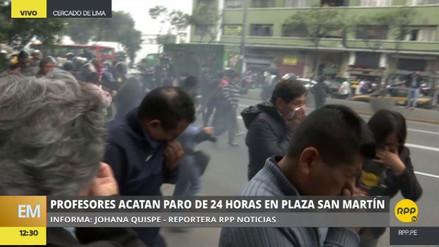 Un grupo de maestros se enfrentó a la Policía en la avenida Abancay
