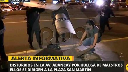 Video | Disturbios durante marcha de maestros en la avenida Abancay