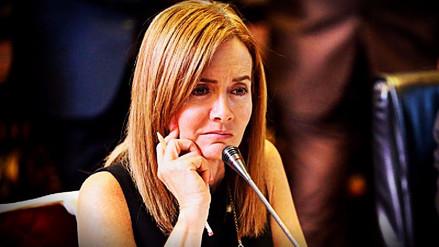 Frente Amplio inició recolección de firmas para censurar a Marilú Martens