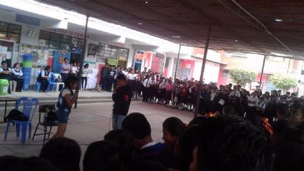 Alumnos del colegio San Juan exhiben sus trabajos en el día del logro