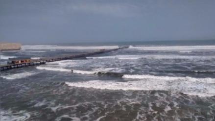 Cierran puertos por vientos y oleajes de moderada intensidad