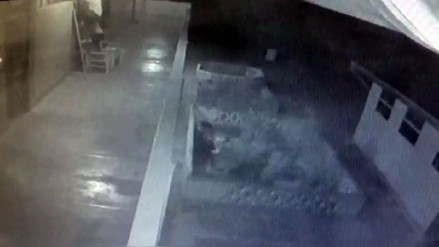 Jauja: sorprenden a menores ingresando a escuela para robar