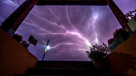 Espectaculares imágenes de una tormenta eléctrica en Macedonia