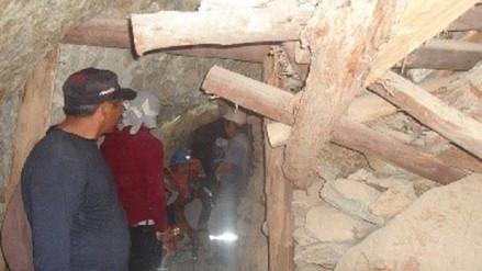 Rescatan a minero atrapado por derrumbe en socavón de mina en Camaná