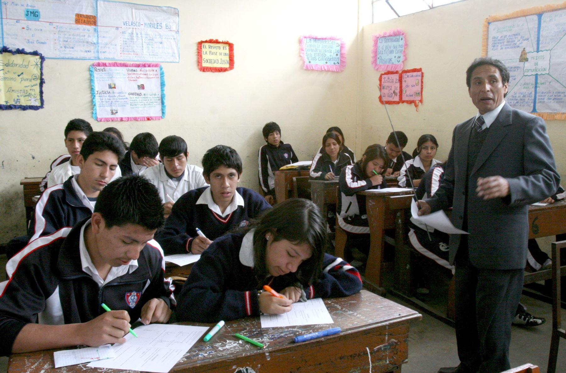 Huelga de maestros: Pérdidas en comercios suman US$ 450 millones
