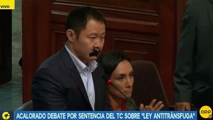 Kenji Fujimori protestó contra la 'ley mordaza' en el Congreso