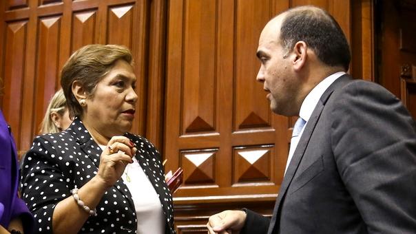 """Luz Salgado: """"Zavala tiene afán de arrinconar al Congreso"""""""