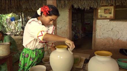 Niña de 11 años sorprende por su increíble destreza en cerámica