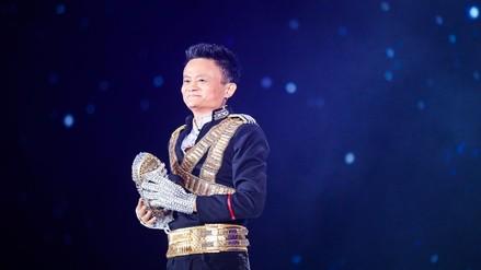 YouTube | Millonario ofrece show como Michael Jackson a sus empleados