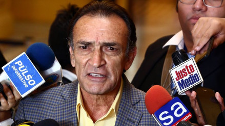 """Becerril: """"Reciclar ministros es sacarle la vuelta a la negación de confianza"""""""