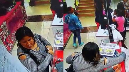 Mujeres robaron más de 5 mil soles de una tienda en Gamarra