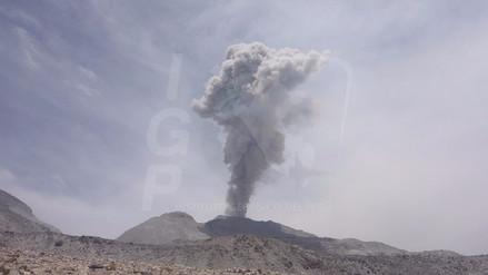 Actividad eruptiva disminuye en el volcán Sabancaya