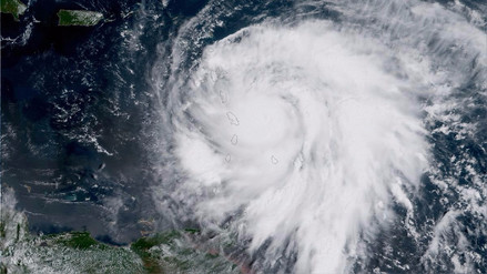 El huracán María devastó Dominica y avanza hacia Puerto Rico