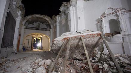 Once muertos tras derrumbe de iglesia en pleno bautizo por terremoto en México