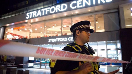 Seis heridos en Londres tras presunto ataque con ácido en centro comercial