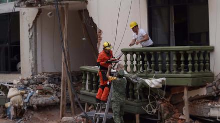 Tres personas murieron en réplica de sismo en México